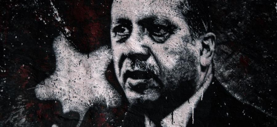 Recep Tayyip Erdoğan, painted portrait DDC_1707, di Thierry Ehrmann (CC BY 2.0)